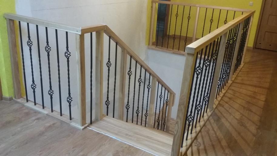 Dekoratyvinis metalas / Metaliniai laiptai / Dekometa
